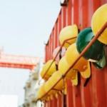 Likwidacja szkoleń okresowych bhp dla części pracowników administracyjno-biurowych.